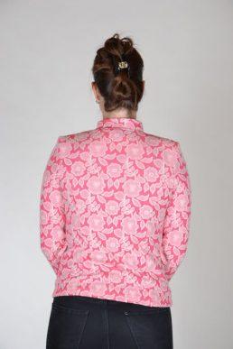 Angelle Milan getailleerde korte blazer bloem roze wit achterkant